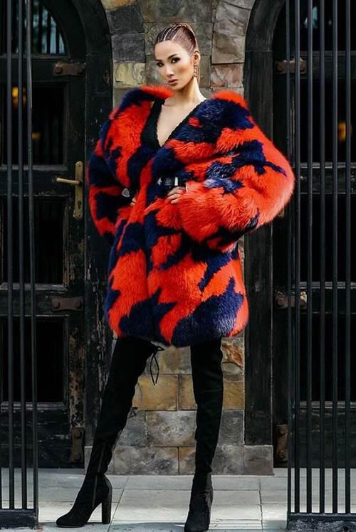 Trăm kiểu thời trang phang thời tiết của sao: se lạnh mặc hở hang, khoác áo lông giữa trời nóng-7