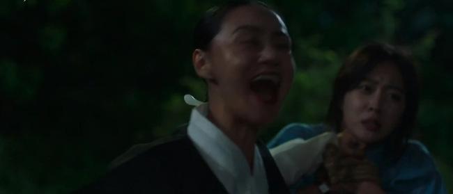 Bạn trai tôi là hồ ly: Lee Dong Wook bạo dạn cởi áo nhân tình kiếp trước-7