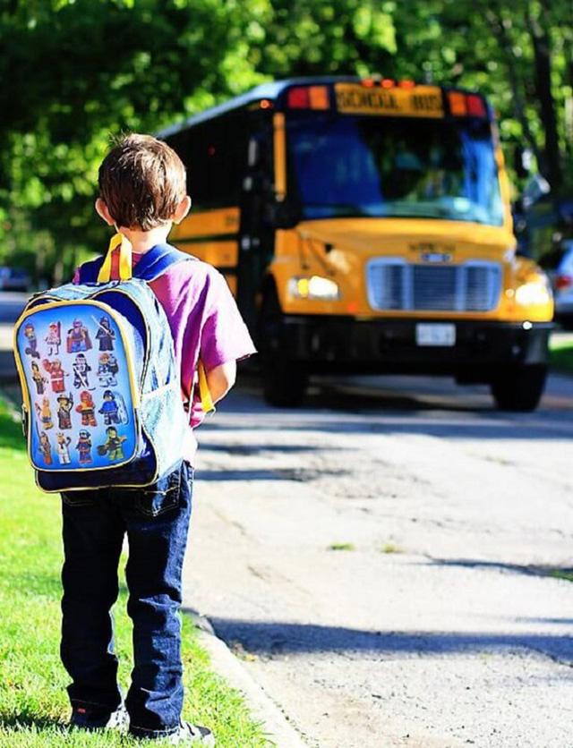 Khi đón con ở trường mẫu giáo, bố mẹ phải nhớ đừng làm những việc này, nhất là điều đầu tiên!-1