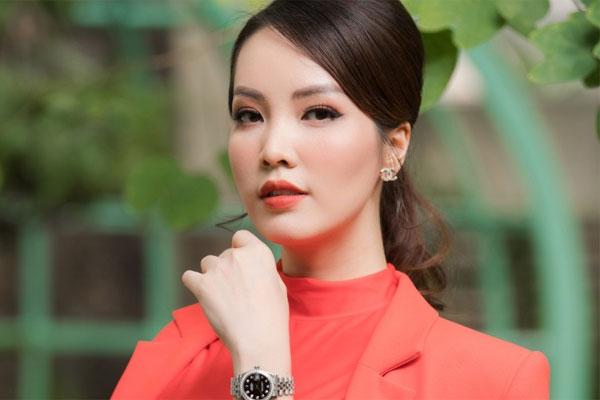MC Thụy Vân: 'Tôi nhận được tin nhắn 'nhờ vả' khi làm giám khảo