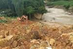Áp thấp nhiệt đới mạnh dần lên khi đổ bộ vào đất liền, các tỉnh Trung Bộ tiếp tục mưa to đến rất to nhiều ngày-3