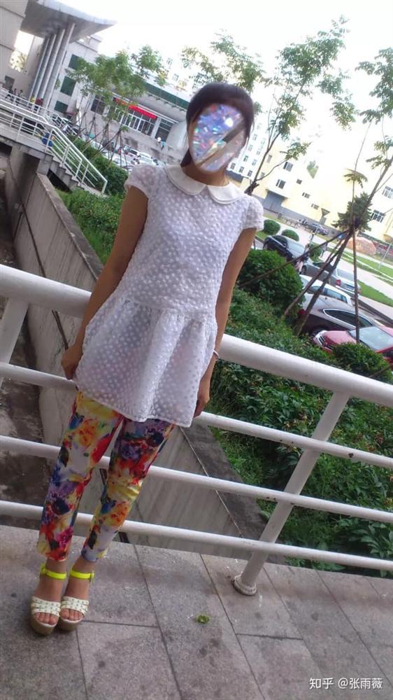 Cười ngất trước mốt thời trang cực phèn của chị em cách đây 10 năm-7