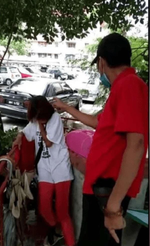 Đoạn clip gã đàn ông đánh đập cô gái bò lồm cồm giữa đường gây bão MXH, bất ngờ nhất là phản ứng của các nhân chứng-2