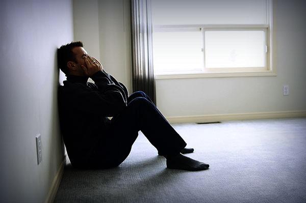 Đứng gọi 20 phút nhưng vợ vẫn không chịu mở cửa, sốt ruột quá tôi phải gọi người phá khóa và khi cánh cửa mở ra tôi lặng người với cảnh tượng trước mắt-1