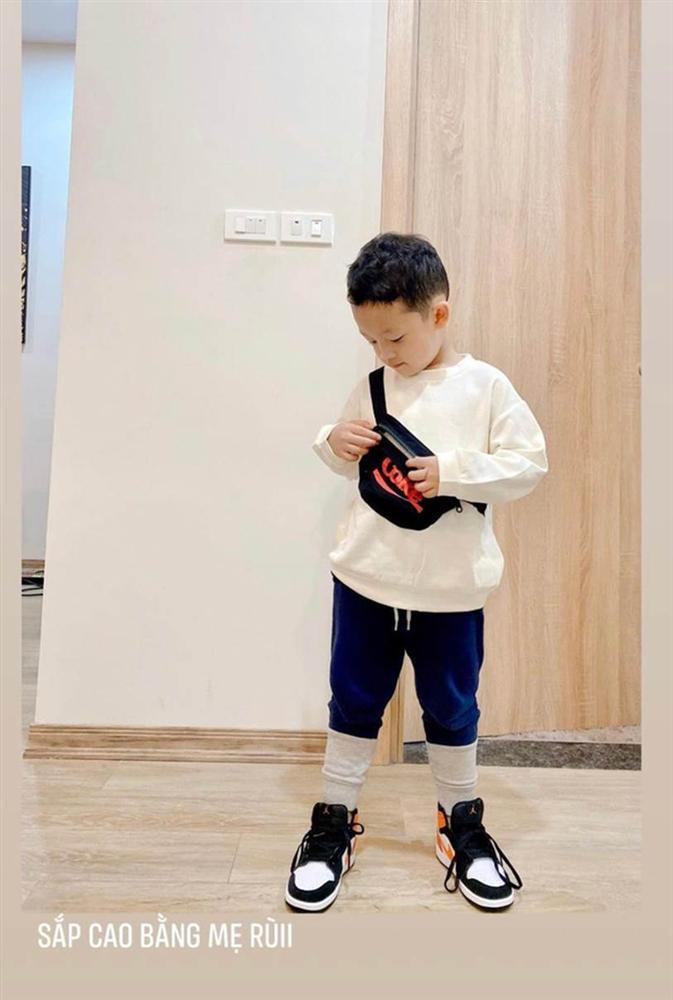Con trai Ly Kute được mẹ chăm sóc hết mực, gần 5 tuổi nhưng chiều cao khiến cựu hot girl Hà thành cũng phải bất ngờ-3