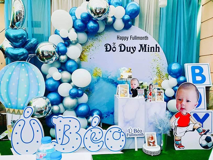 Con trai Duy Mạnh chính thức gia nhập hội hot kid Việt với bức ảnh góc nghiêng thần thánh được bố chụp sương sương trên story-5