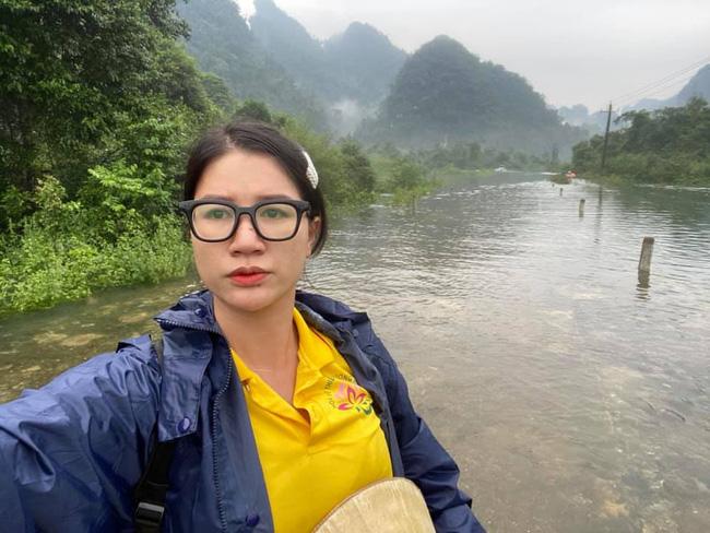 """Bị so sánh với Thủy Tiên, Trang Trần đáp trả: Đây làm từ thiện hàng tuần chứ không đợi lũ mới làm""""-4"""