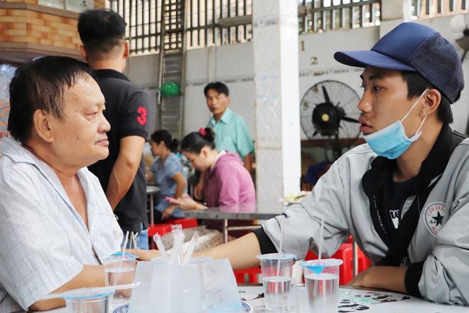 Tang lễ đẫm nước mắt của hiệp sĩ tử vong lúc truy đuổi tội phạm ở Biên Hòa: Vợ mang song thai thẫn thờ bên linh cữu chồng-15