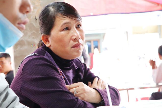 Tang lễ đẫm nước mắt của hiệp sĩ tử vong lúc truy đuổi tội phạm ở Biên Hòa: Vợ mang song thai thẫn thờ bên linh cữu chồng-7