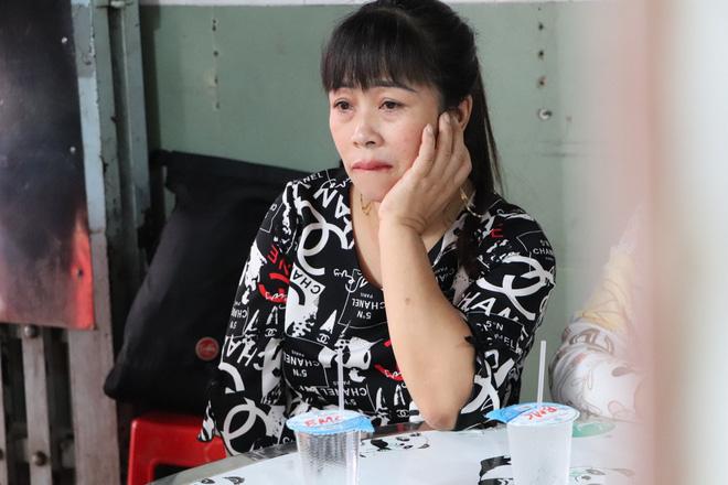 Tang lễ đẫm nước mắt của hiệp sĩ tử vong lúc truy đuổi tội phạm ở Biên Hòa: Vợ mang song thai thẫn thờ bên linh cữu chồng-8