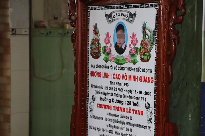 Tang lễ đẫm nước mắt của hiệp sĩ tử vong lúc truy đuổi tội phạm ở Biên Hòa: Vợ mang song thai thẫn thờ bên linh cữu chồng-19