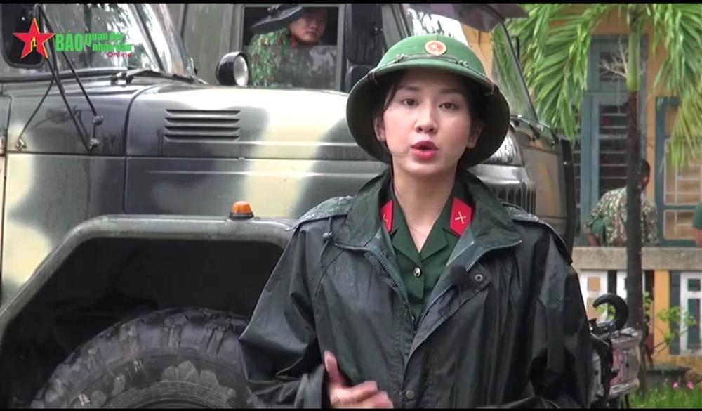 Nữ MC xinh đẹp dẫn bản tin mưa bão khiến cộng đồng mạng xôn xao truy tìm, ngắm loạt ảnh đời thường lại càng bất ngờ vì nhan sắc kiều diễm-2