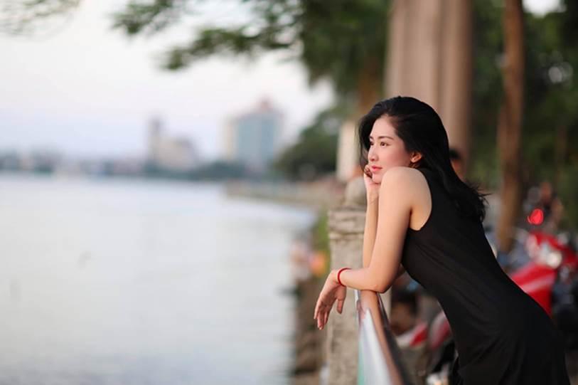 Nữ MC xinh đẹp dẫn bản tin mưa bão khiến cộng đồng mạng xôn xao truy tìm, ngắm loạt ảnh đời thường lại càng bất ngờ vì nhan sắc kiều diễm-8