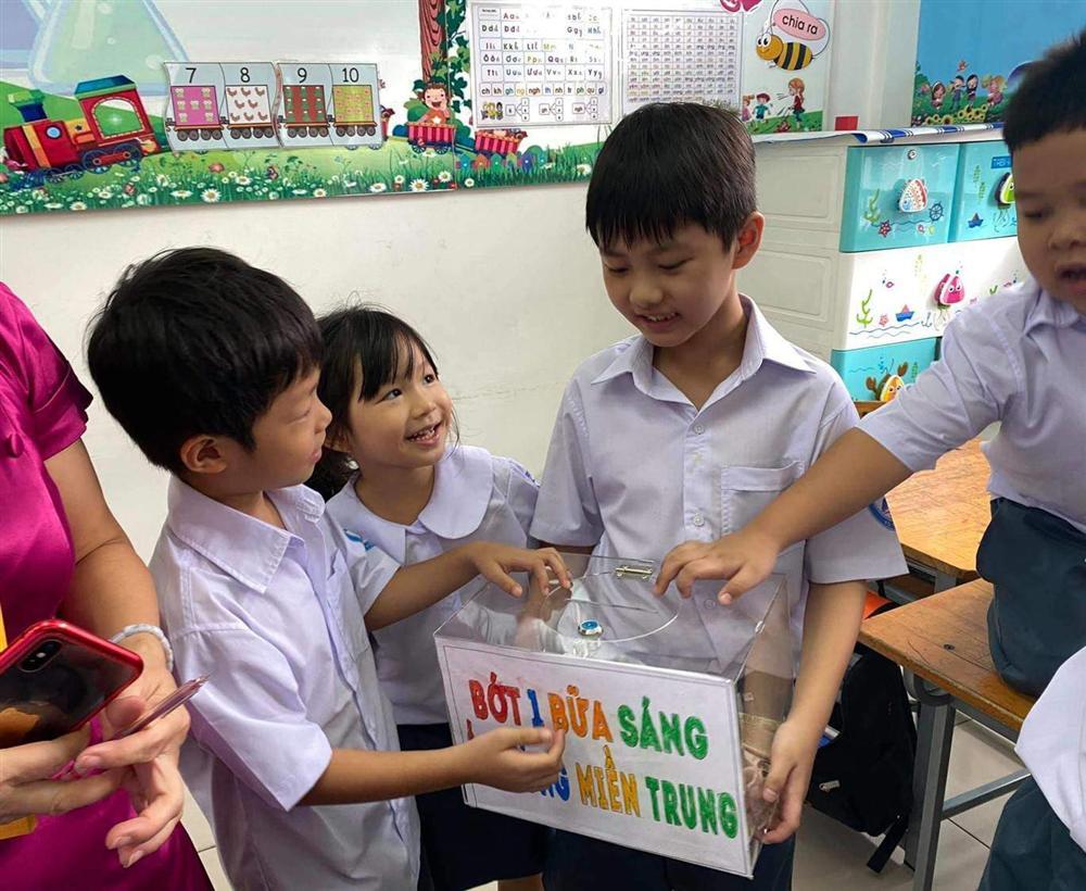 Cậu bé tiểu học gây choáng khi quyên góp được 102 triệu cứu trợ miền Trung, thân thế không vừa-2