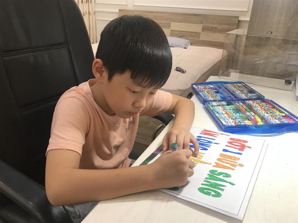 Cậu bé tiểu học gây choáng khi quyên góp được 102 triệu cứu trợ miền Trung, thân thế không vừa-6