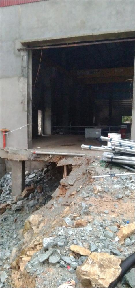 Ảnh: Cận cảnh bên trong khu vực nhà điều hành thủy điện Rào Trăng 3 bị lũ quét vùi lấp-10