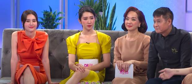 Thái độ của đạo diễn Lê Hoàng khi Hương Giang nói đạo lý gây chú ý, hội chị em Hari Won - Thuý Ngân cũng đứng hình tại chỗ-5