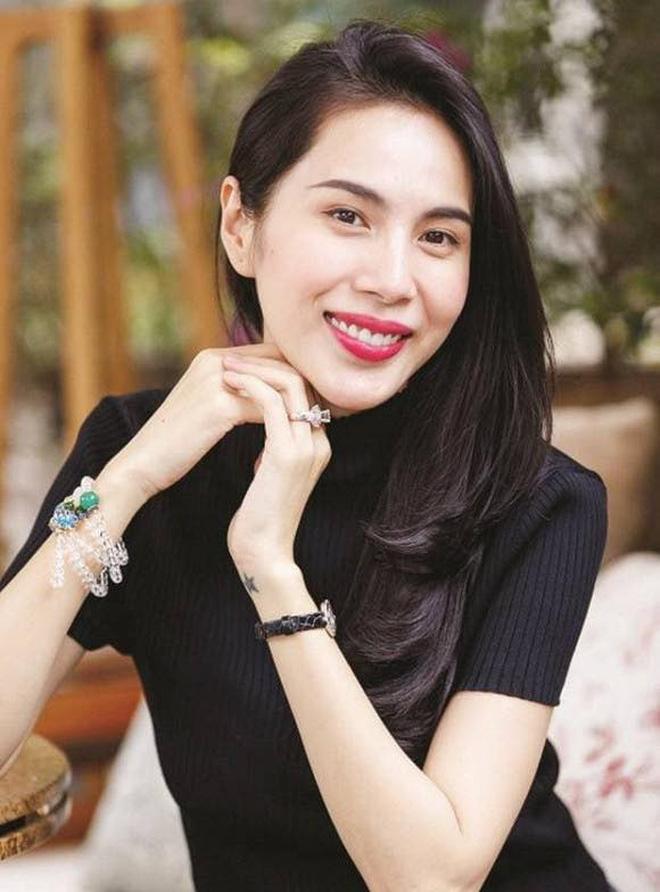 Trấn Thành thông báo không thể vào miền Trung, chuyển tiền nhờ các nghệ sĩ Việt giúp cứu trợ, Hà Hồ có bình luận gây chú ý-3