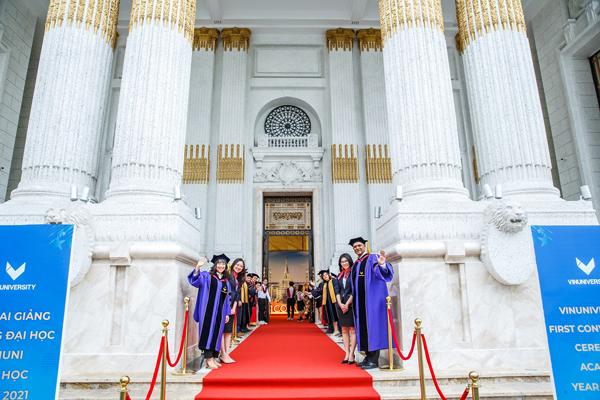 Đại học VinUni khai giảng năm học đầu tiên-3