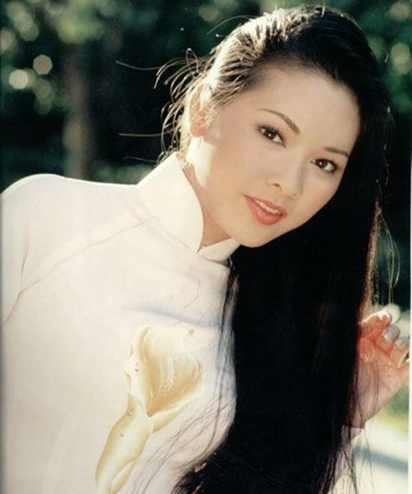 Ca sĩ Như Quỳnh nhan sắc thay đổi, làm mẹ đơn thân ở tuổi 50-3