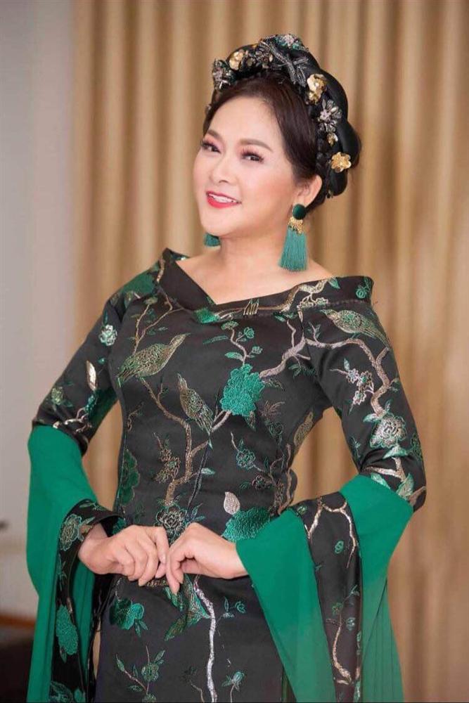 Ca sĩ Như Quỳnh nhan sắc thay đổi, làm mẹ đơn thân ở tuổi 50-6