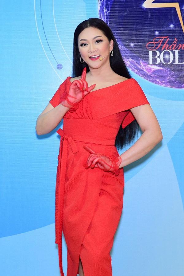 Ca sĩ Như Quỳnh nhan sắc thay đổi, làm mẹ đơn thân ở tuổi 50-9