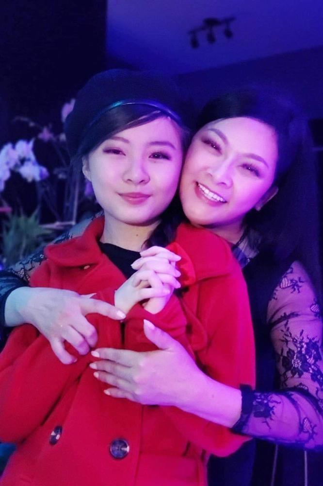 Ca sĩ Như Quỳnh nhan sắc thay đổi, làm mẹ đơn thân ở tuổi 50-16