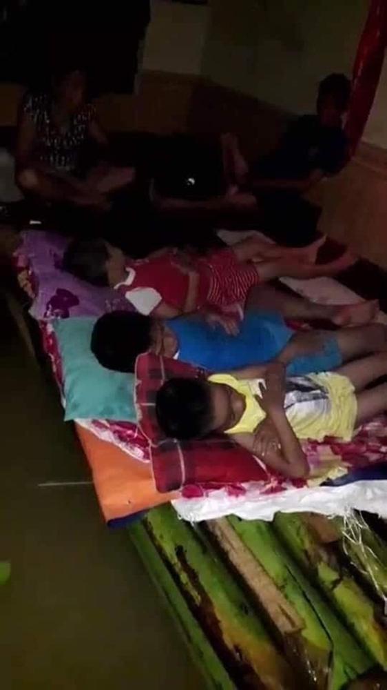 Nước lũ lên nhanh, nhiều người dân Quảng Trị lên mạng kêu cứu trong đêm-3