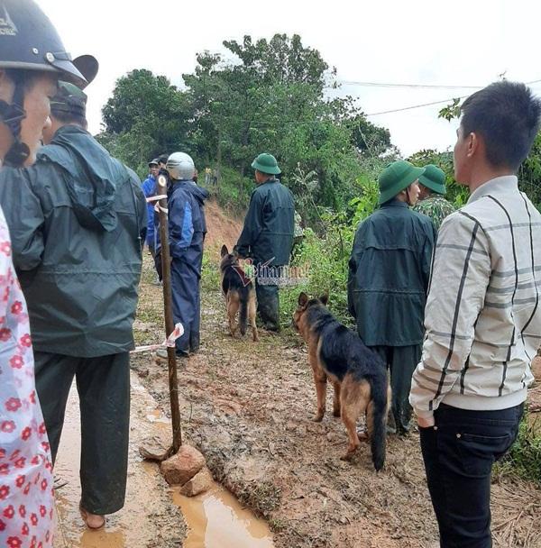 Sạt lở vùi lấp 22 cán bộ chiến sỹ ở Quảng Trị, tìm thấy 4 thi thể-13