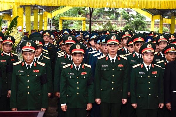 Nghẹn ngào tiễn đưa 13 cán bộ, chiến sĩ hy sinh ở Rào Trăng 3-10