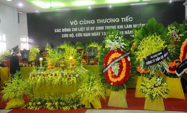 Nghẹn ngào tiễn đưa 13 cán bộ, chiến sĩ hy sinh ở Rào Trăng 3-15
