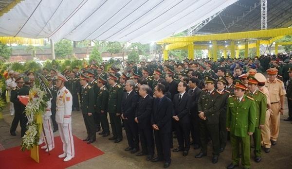 Nghẹn ngào tiễn đưa 13 cán bộ, chiến sĩ hy sinh ở Rào Trăng 3-16