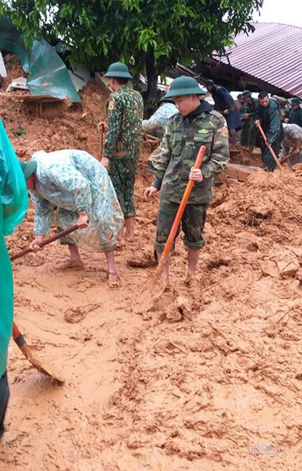 Sạt lở vùi lấp 22 cán bộ chiến sỹ ở Quảng Trị, tìm thấy 4 thi thể-3