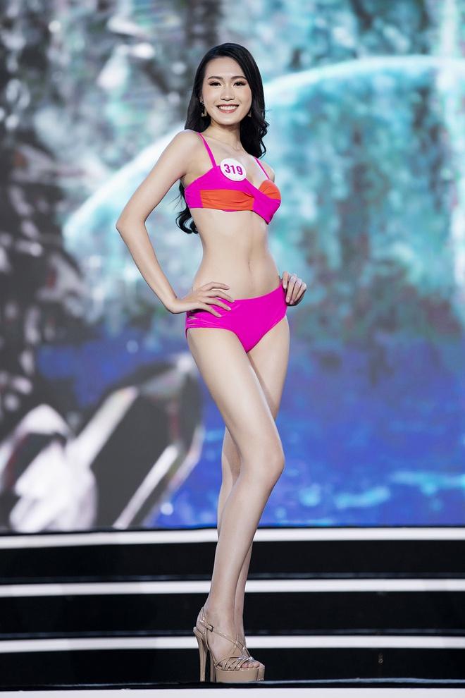 Người đẹp có vòng eo nhỏ nhất Hoa hậu Việt Nam lộ ảnh photoshop quá đà gây choáng-2