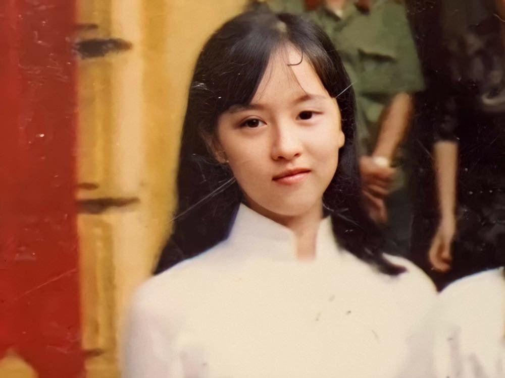 Chân dung người phụ nữ Hương Giang Idol mượn thân phận để nổi tiếng, sống lặng lẽ bên chồng con-2
