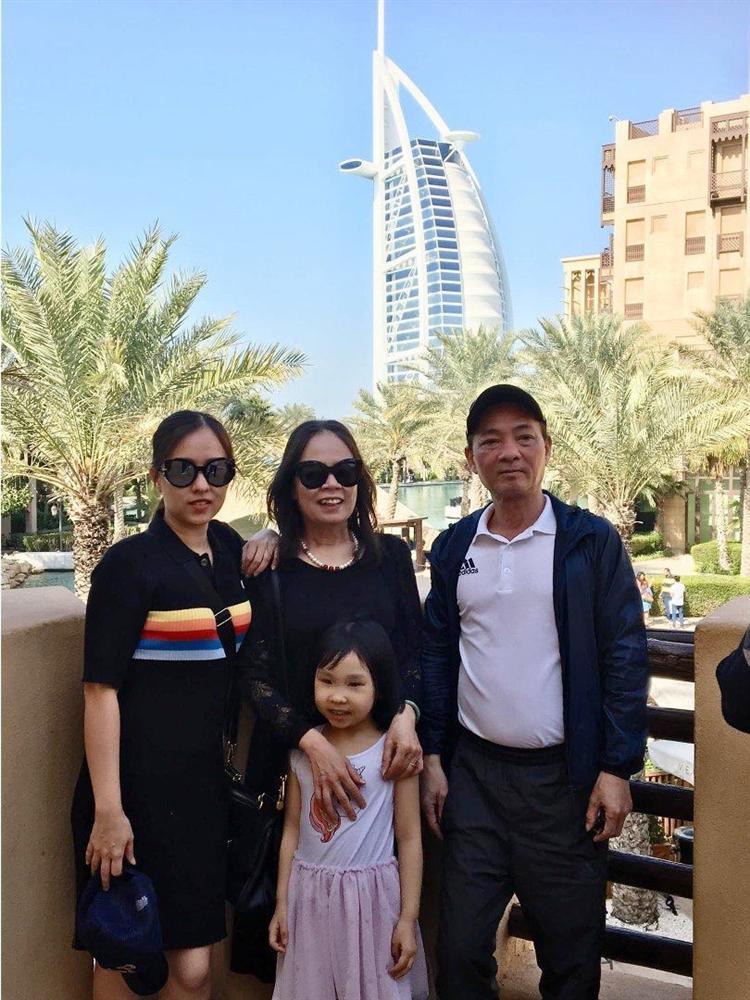 Chân dung người phụ nữ Hương Giang Idol mượn thân phận để nổi tiếng, sống lặng lẽ bên chồng con-10