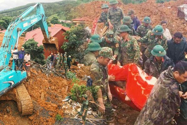 Sạt lở núi vùi lấp 22 cán bộ, chiến sĩ: Đã tìm thấy 14 thi thể