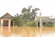 Đang ngập tứ bề, miền Trung lại sắp đón bão có cường độ kinh khủng?