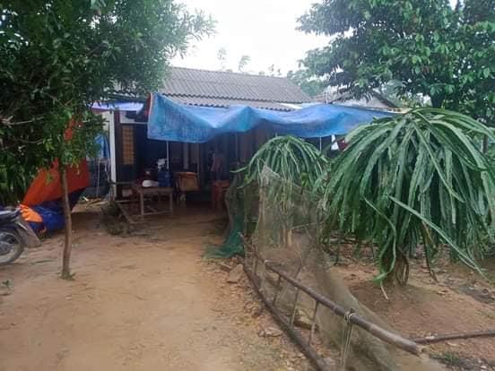 Bé trai 2 tuổi rơi xuống nền nhà ngập nước lũ tử vong thương tâm ở Quảng Trị: Cha mẹ bàng hoàng chưa thể tin nổi...-2
