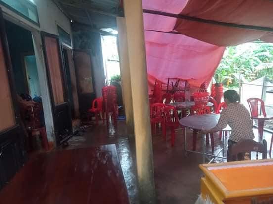 Bé trai 2 tuổi rơi xuống nền nhà ngập nước lũ tử vong thương tâm ở Quảng Trị: Cha mẹ bàng hoàng chưa thể tin nổi...-4