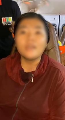 """Thủy Tiên bức xúc quyết đòi lại số tiền từ thiện trao cho bà con vùng lũ bị một người phụ nữ ăn chặn""""-2"""