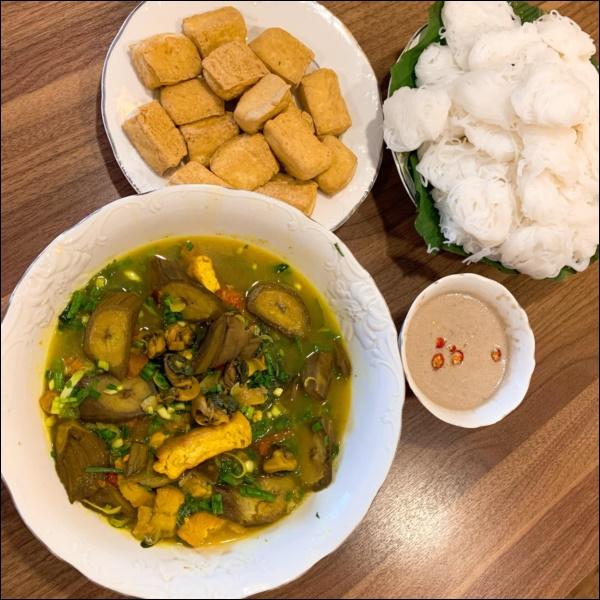 Vợ Thành Trung không chỉ khéo chăm con màcòn giỏi chiều chồng, nấu toàn món đưa cơm lại còn hợp thời tiết ngày lạnh-9