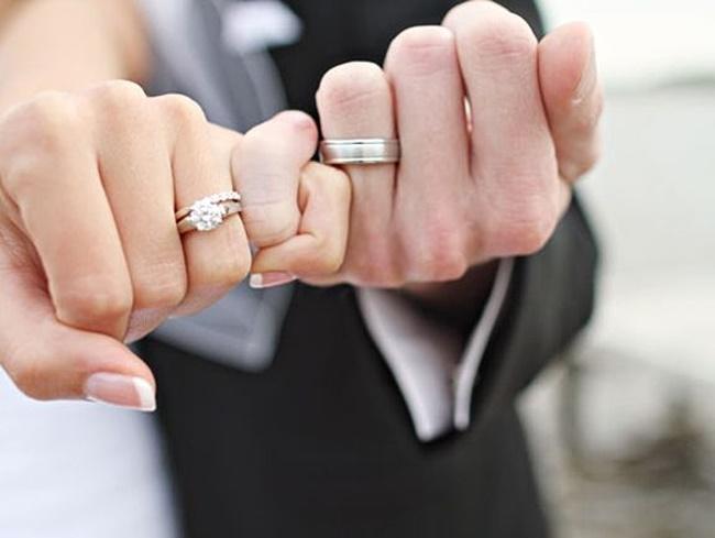 Chồng đi liên hoan về say mèm, không đeo nhẫn cưới, vợ phát hiện ngay ra vấn đề, câu nhắn nhủ cuối cùng vừa đơn giản mà sâu cay biết bao-1