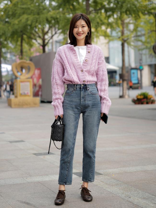 Street style Châu Á: Hội chị em lên đồ chuẩn gái Pháp, toàn blazer và cardigan nhưng nhìn sang hết nấc-13