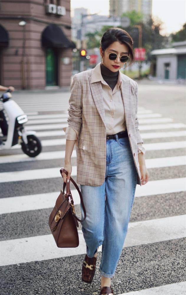 Street style Châu Á: Hội chị em lên đồ chuẩn gái Pháp, toàn blazer và cardigan nhưng nhìn sang hết nấc-4