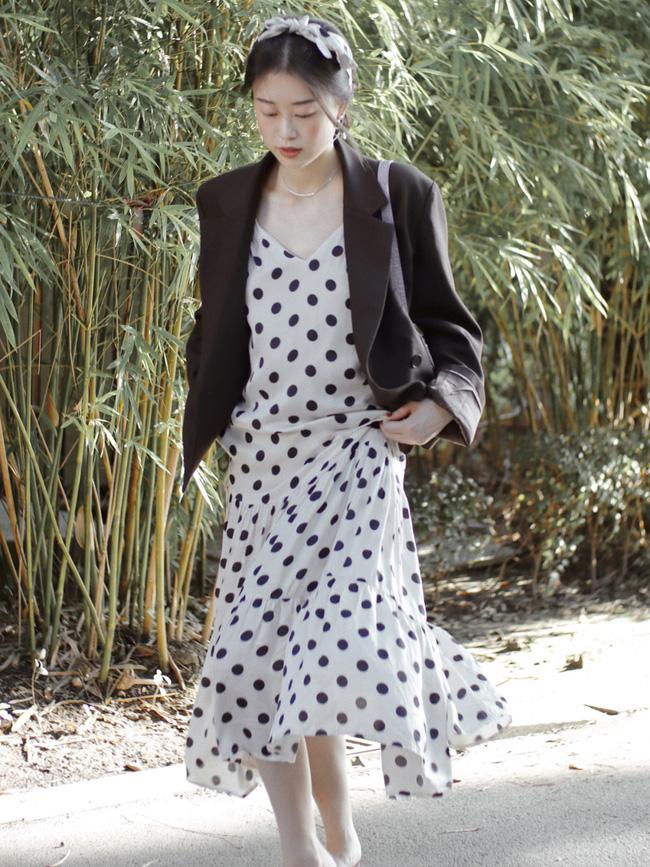 Street style Châu Á: Hội chị em lên đồ chuẩn gái Pháp, toàn blazer và cardigan nhưng nhìn sang hết nấc-6