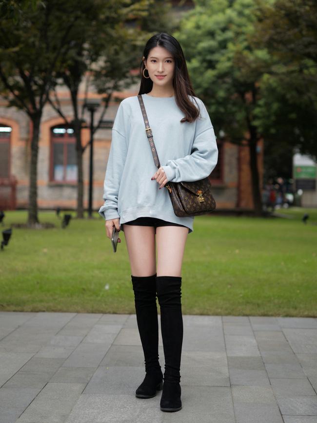 Street style Châu Á: Hội chị em lên đồ chuẩn gái Pháp, toàn blazer và cardigan nhưng nhìn sang hết nấc-7