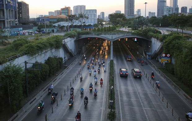TP.HCM: Cấm xe qua hầm Thủ Thiêm trong 2 ngày, người dân cần chú ý-1