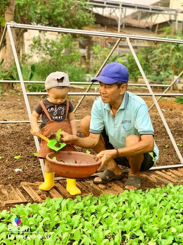Bỏ phố lấy chồng Đắk Lắk, nàng dâu choáng khi chồng dẫn ra kho lương thực 700m2 của gia đình-20