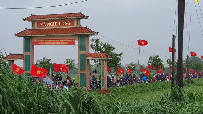 Người thân, đồng đội và hàng trăm người dân đội mưa, nghẹn ngào tiễn đưa các liệt sĩ hi sinh ở thủy điện Rào Trăng 3 về với đất mẹ-10
